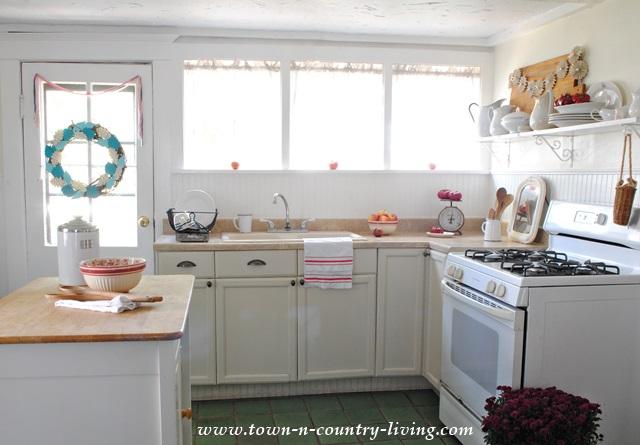 Country Style Farmhouse Kitchen