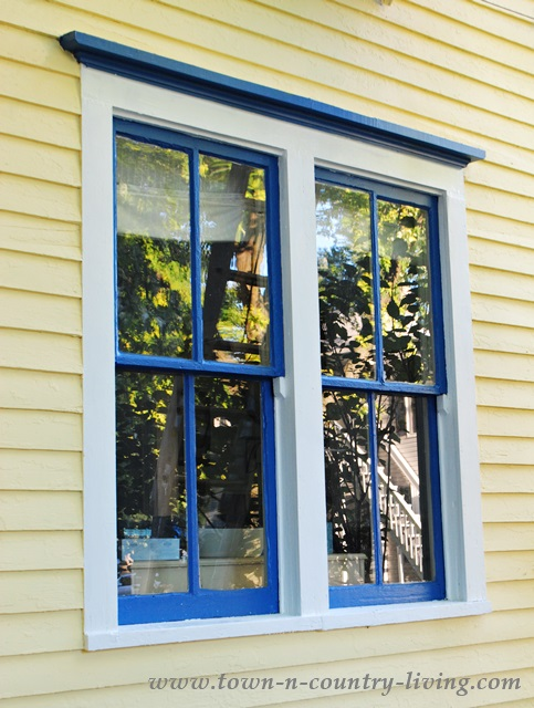 Doors and windows on pinterest craftsman windows for Farmhouse windows