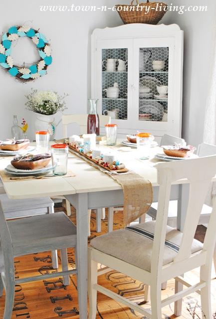 Early Fall Farmhouse Table Setting