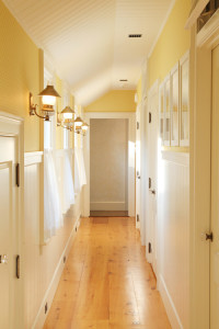 Hallway decorating ideas - a farmhouse hall gives great examples
