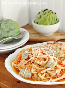 Fettuccine with Artichoke Hearts and Tomatoes