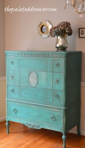 DIY Home Decor. Painted Vintage Dresser in Annie Sloan Chalk Paint.