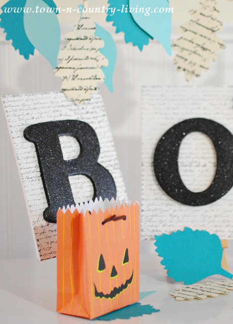 How to Make a Boo Sign for Halloween