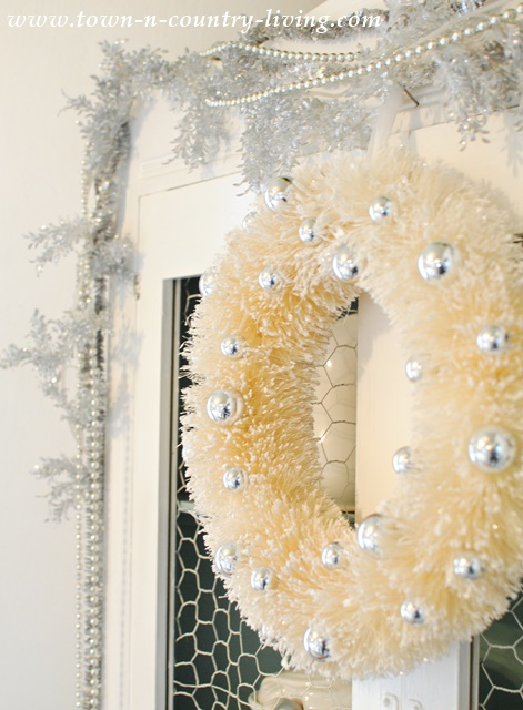 Vintage Style Christmas Wreath