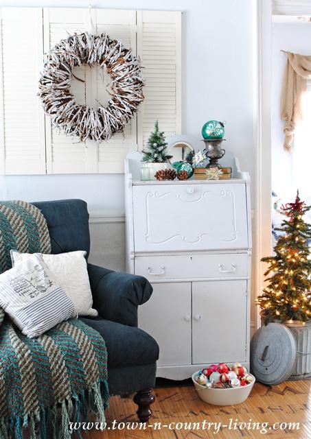 Country Living Christmas Decor