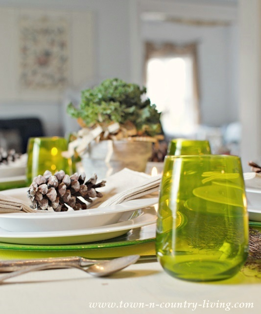 Green and White Modern Country Table Setting & Modern Country Table Setting - Town u0026 Country Living