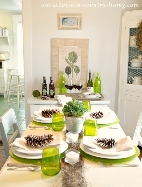 Green and White Modern Country Table Setting #TurkeyDinnerTablescape & Modern Country Table Setting - Town u0026 Country Living