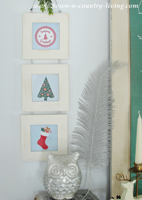 Free Christmas Printables you can tuck in frames for a pretty Christmas vignette