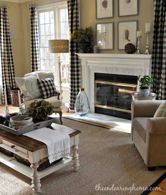 Country Family Room: Town & Country