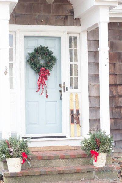 Traditional Wreath on East Coast Door