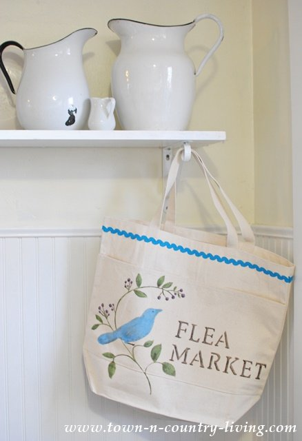 DIY Stenciled Canvas Bag. I've now got something to carry vintage finds from the flea market!