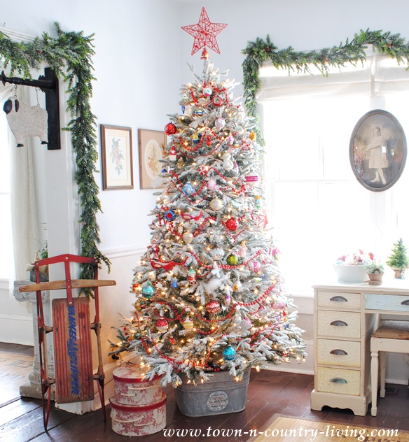 Vintage Style Christmas Tree at www.town-n-country-living.com