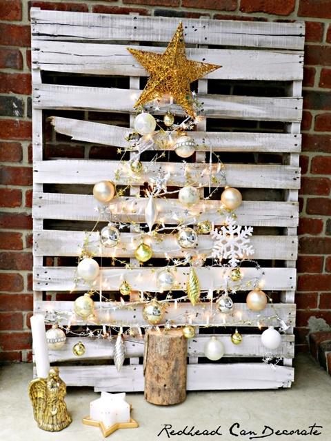Shabby White Pallet Christmas Tree