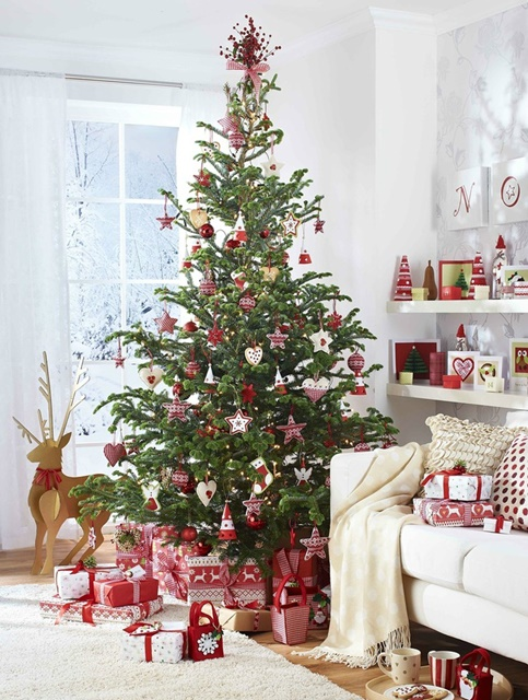 Scandinavian Christmas Ornaments Part - 18: Red And White Scandinavian Christmas Tree