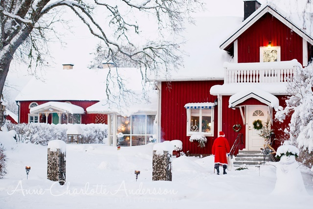 Red Nordic House at Christmas