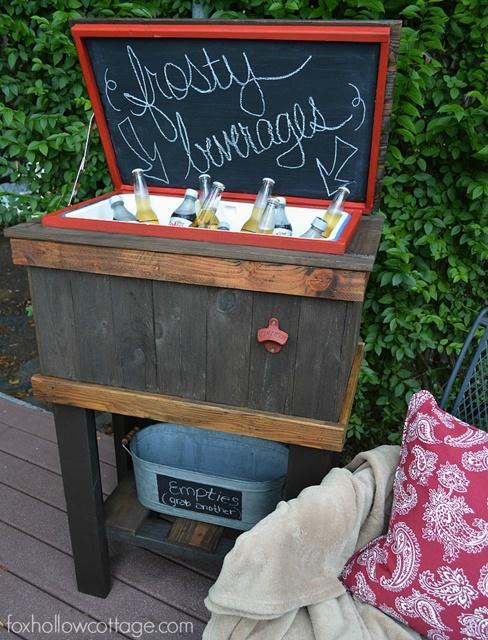 DIY Deck Cooler keeps drinks frosty for outdoor entertaining.