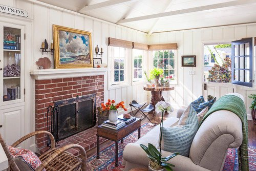 See a tour of this remodeled 1946 charming beach cottage!
