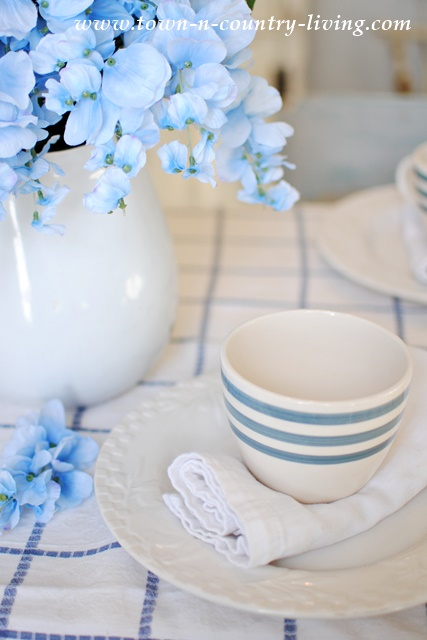 Cottage Style Spring Dining Room in Blue and White