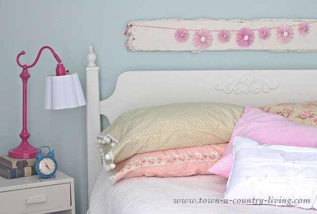 See how to make your own vintage style pillow cases. No pattern needed!
