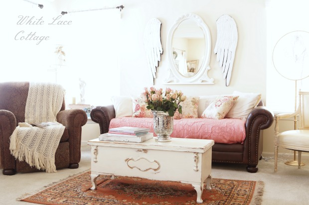 charming home tour ~ white lace cottage - town & country living