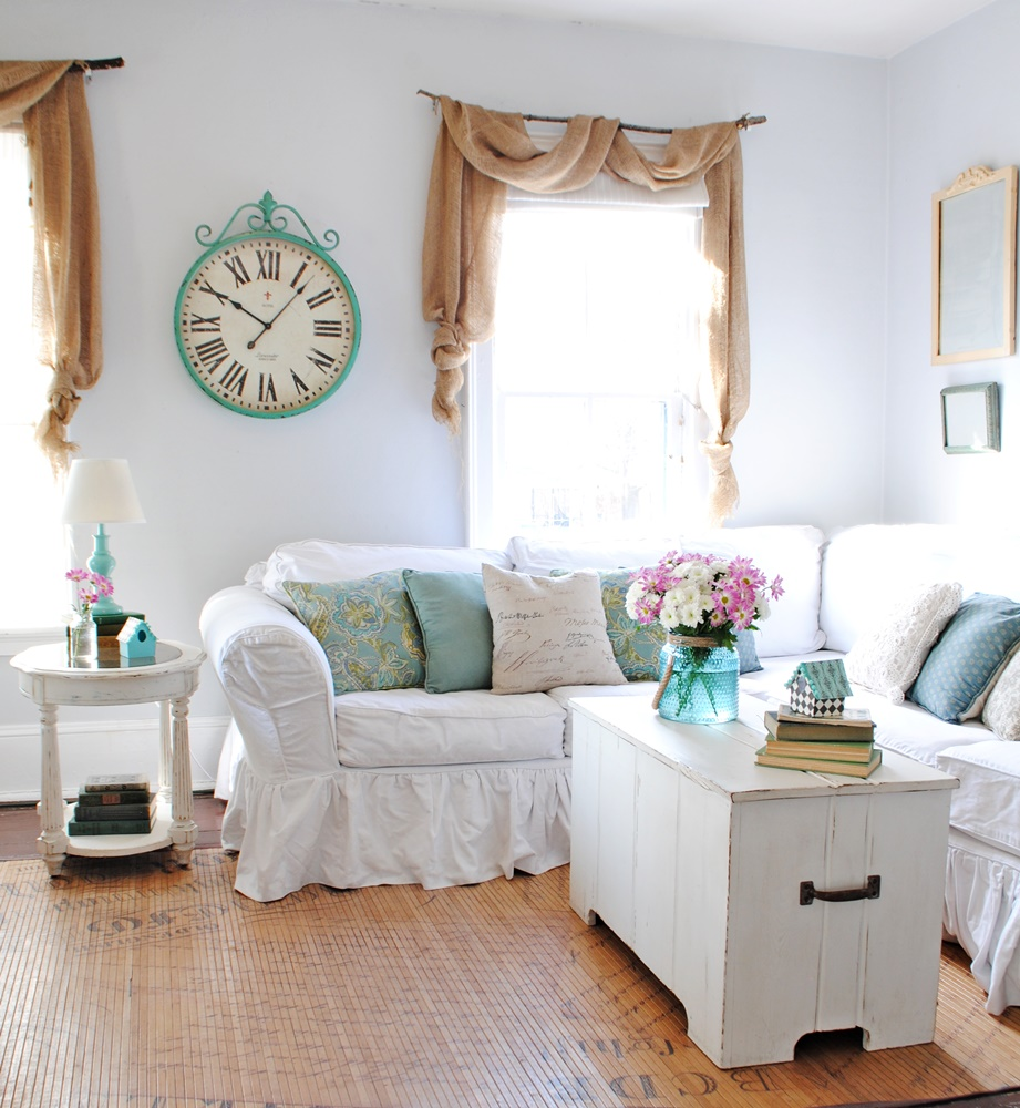 Farmhouse Style Spring Decor Town & Country Living