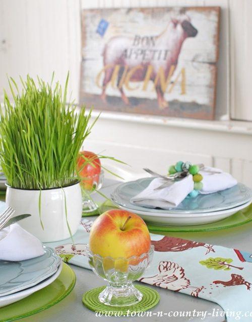 Farmhouse Style Spring Tablescape