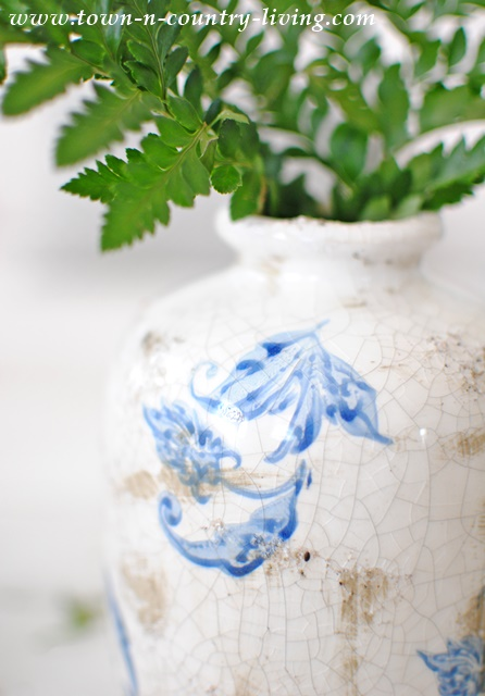 Detailed markings of transferware vase
