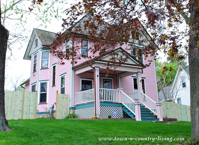 Pink Victorian Home in St. Charles, Illinois