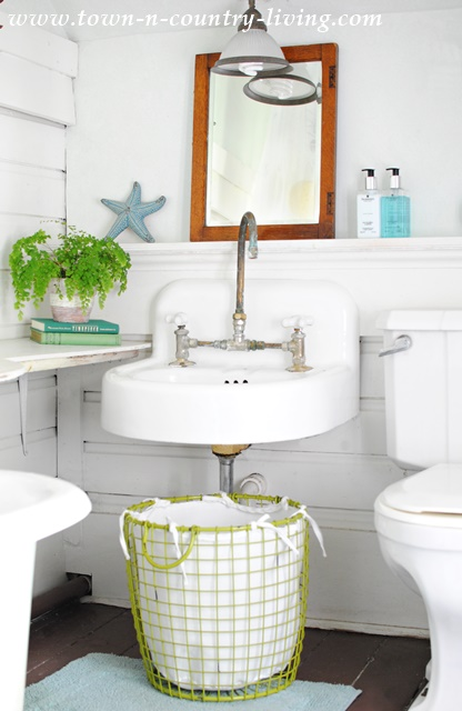 Farmhouse Bathroom