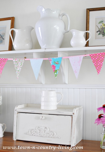 No-Sew Summer Banner with Fun Fabrics