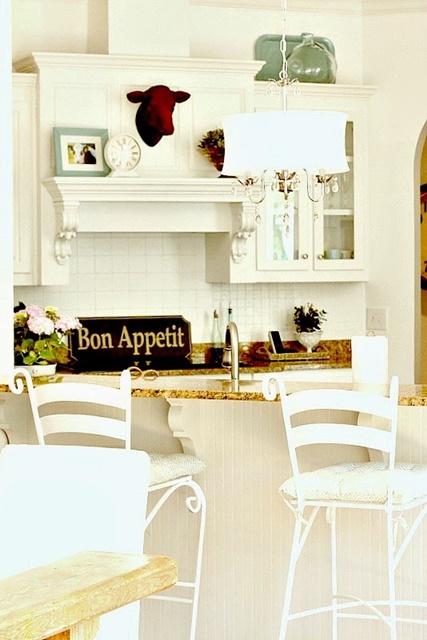 White Farmhouse Style Kitchen