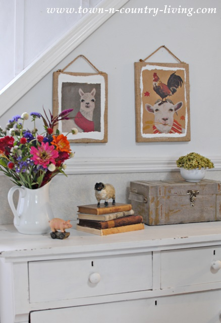 How to create a farmhouse vignette using paper bags for wall art