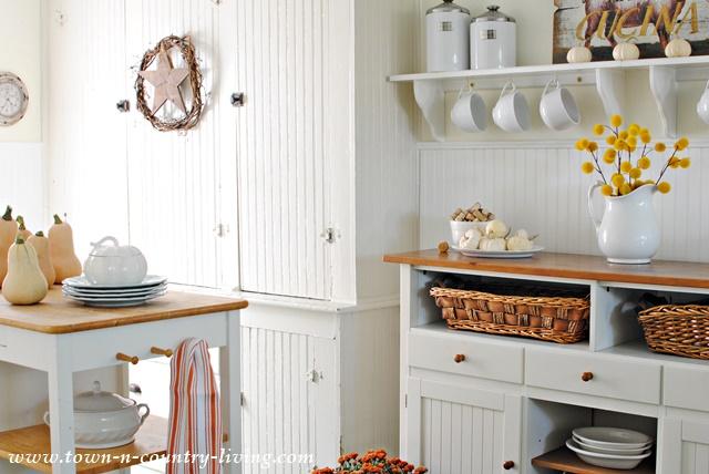 Fall Home Tour. Farmhouse Kitchen
