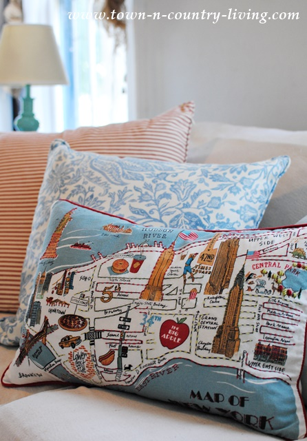 Late Summer Decorating with Map of New York Pillow Town Country