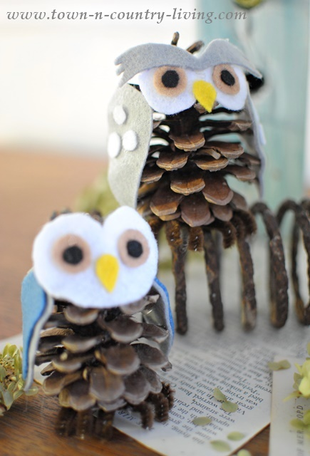 How to Make Pine Cone Owls