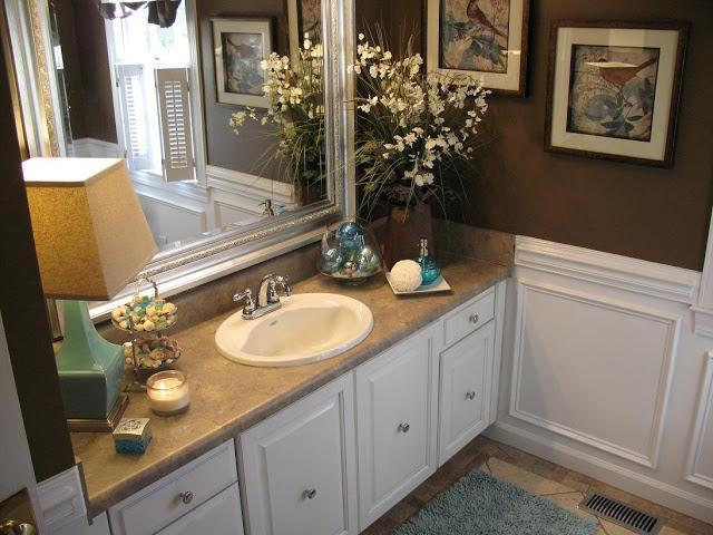 Traditional Style Bathroom