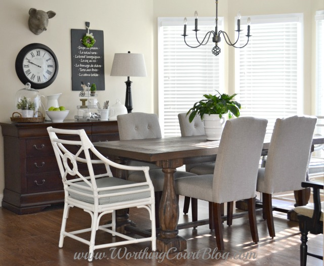 Traditional Style Breakfast Nook
