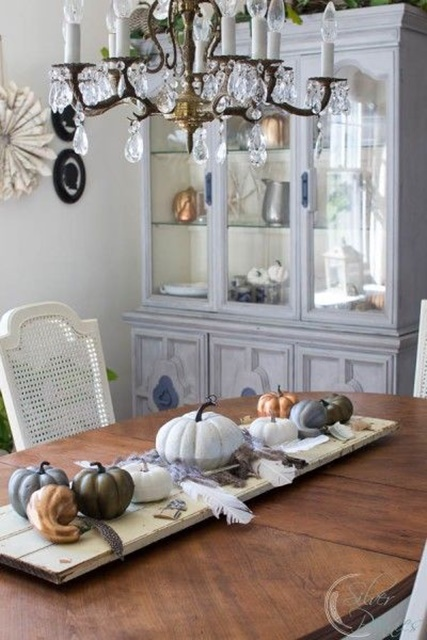 Thanksgiving Decorating With Friends Town Country Living