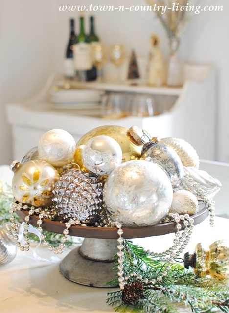 Christmas Dining Centerpiece