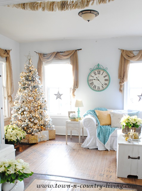 Christmas-Family-Room
