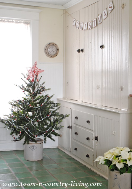 Old Fashioned Christmas Tree and Beading