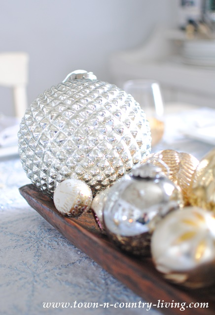 Christmas Ornaments Centerpiece