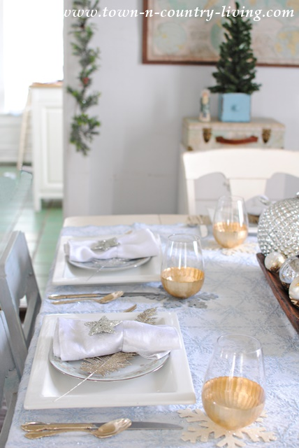 Christmas Dining Room & Christmas Table Setting in Blue Silver and Gold - Town u0026 Country ...