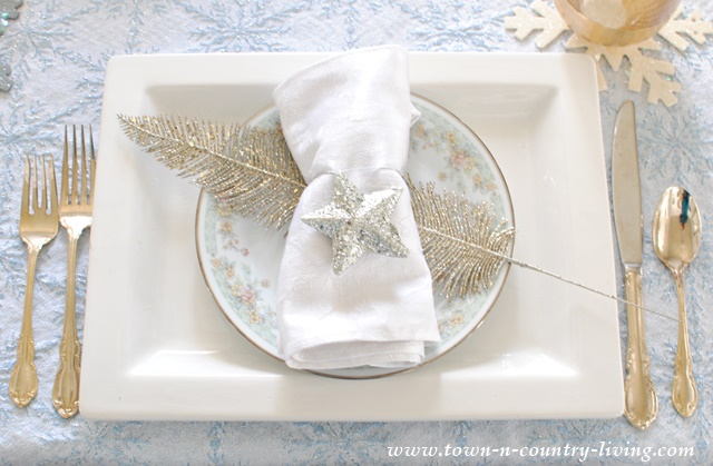 Christmas Table Setting In Blue Silver And Gold Town