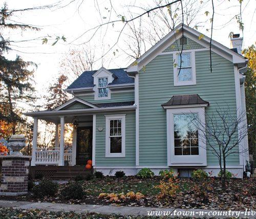 Historic Clapboard House in Geneva, Illinois