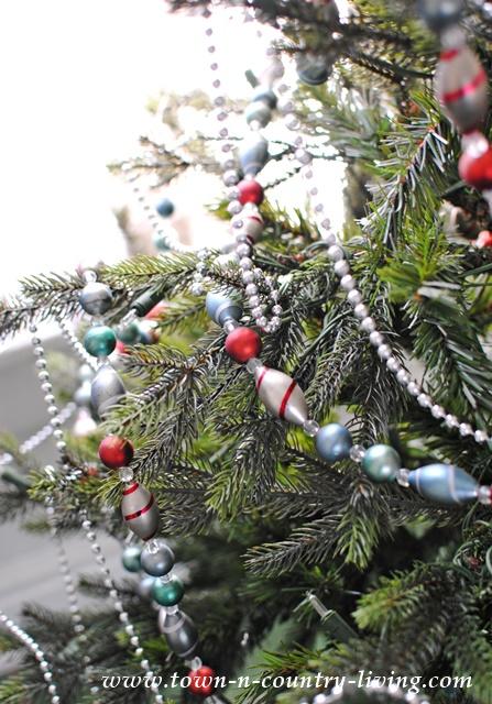 Vintage Style Bead Christmas Garland
