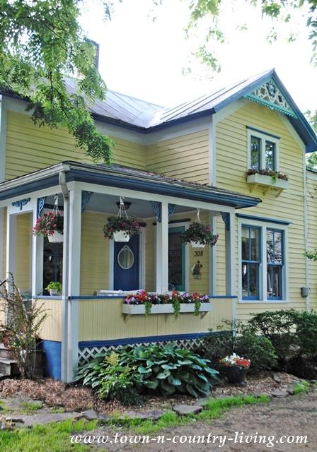 Simple Farmhouse Porch