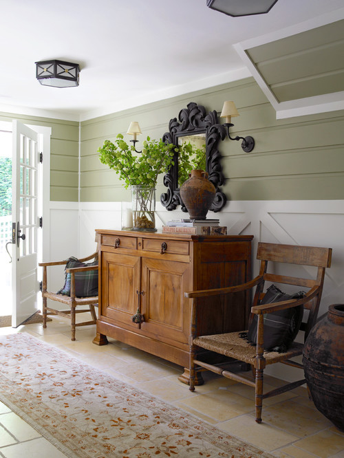 Shiplap in Farmhouse Entry