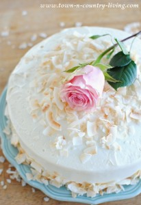 Bake an Elegant Spring Cake: The Fun and Easy Way