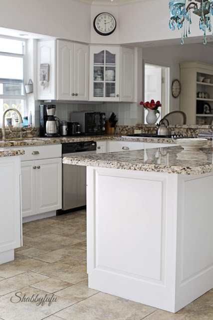 White Florida Kitchen